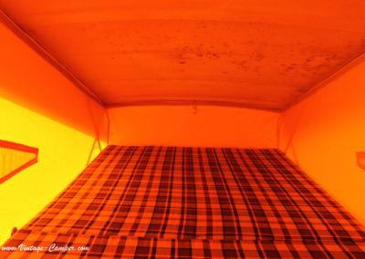 chambre du haut avec un véritable matelas 2 places
