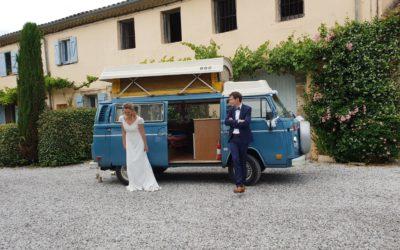 Mariage bohème en voiture de collection