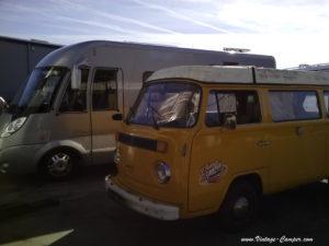 changement de pneus – 2 camping-cars différents