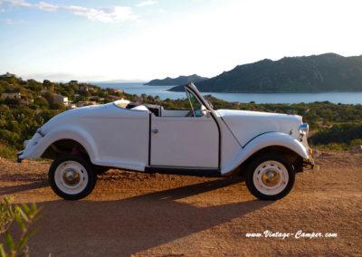 Location-2CV-cabriolet-plages-vacances-Santa-Guilia-Corse-Porto-Vecchio